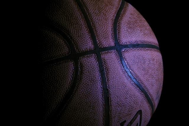 basketball-400906_1920